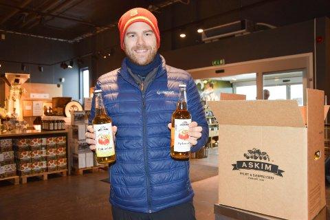 MYE Å VELGE I: Petter Veland (31) fra Spydeberg synes butikken i Hurrahølet er flink til å gi alternativer.
