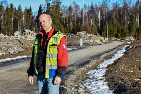 Eirik Ski var prosjektleder for Romskollen på vegne av RKS Entreprenør i Askim. Han sier at RKS fremdeles venter på 1,3 millioner kroner fra Vari-konsernet.