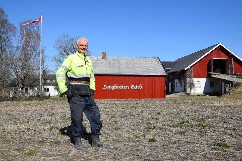 RINGEN SLUTTET: Alf Olav Frog vokste opp ved Krogstadfossen mellom Havnås og Mysen og har sterke røtter i distriktet. Nå har den pensjonerte flygeren gjort indre østfolding av seg igjen, og stortrives på gården i Eidsberg.