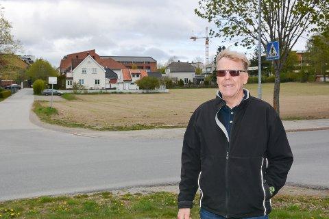 Bjørn Solberg, leder av kirkelig fellesråd i Eidsberg ber Eidsberg kommune sette av minimum 3 dekar til en fremtidig utvidelse av Mysen kirkegård på Nordre Mysen. Ifølge Solberg vil en del av jordet bak passe bra til formålet.