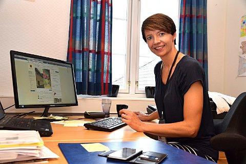 Kommunikasjonssjef Mimi Kopperud Slevigen sier språket i offentlige papirer skal bli enklere å forstå.
