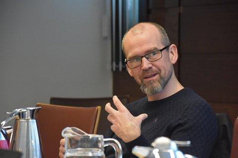 Knut Are Skjønberg vet ikke hvorfor Facebooksiden til Indre Østfold Høyre plutselig er borte fra nettet.