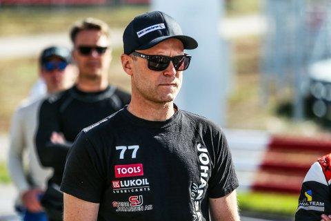 HAR TROEN: Stene Johansen viste i mai under RallyX Nordic at han kan kjøre fort på Höljes. Nå vil han vise det også i EM.