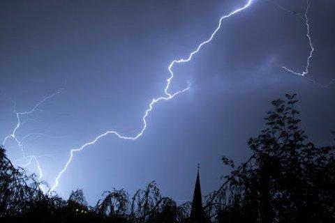LYN: Det lynet og tordnet på østlandet lørdag kveld.
