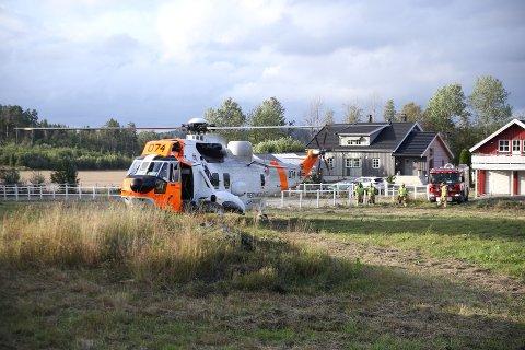 SEAKING: Helikopteret ble tilkalt for å hjelpe en pasient.