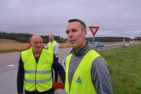 STERKT KRITISK: Trygg Trafikk-leder Paal Gunnar Mathisen (til høyre) hudfletter beslutningen om å sette opp farten fra 70 til 80.