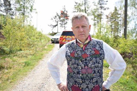 Ordfører Erik Unaas (H) mener det er lovlig sent av Forsvaret å anklage venneforeningen for avtalebrudd.