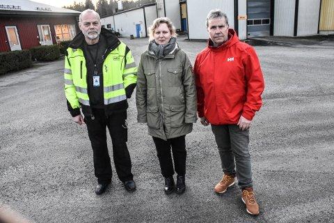 KAN BLI DYRERE: :Avdelingsleder på renseanlegget, Tom Thoresen, seksjonsleder Hans Petter Vammeli og enhetsleder for vann og avløp Helene Østby spår stor ekstraregning for å oppgradere renseanlegget i Askim.