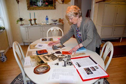 Eva Wallin Broen (81) sorterer minner etter sin onkel Trond Evald Thoresen, som omkom sammen med resten av mannskapet på ubåten «Uredd» i 1943.