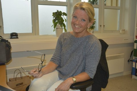 Frisklivskoordinator Helén Christoffersen oppfordrer folk til å ta kontakt dersom de ønsker tips og råd for å gå ned i vekt.