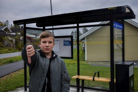 Ikke fornøyd: Alexey Alekhin (13) fra Askim må betale 300kr i måneden for å komme seg på skolen hver dag.