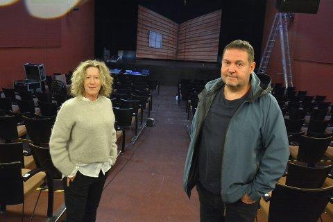 Daglig leder Mette Killingmoe og styreleder Øyvind Woie forsikrer at smittevernsregler følges til punkt og prikke for gjestene i Askim kulturhus.