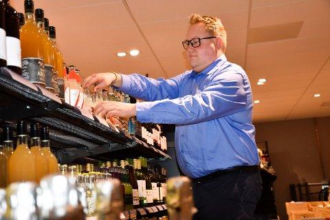 Jaktinteresse: – Det er stor jaktinteresse i Indre Østfold, sier Christian Granli. Mange spør etter godt drikke til viltsteka,forteller han.