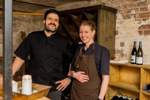 Driver godt: Ingjerd Berg og Alfonso Costabile driver en av Østfolds beste restauranter, La Moss. Foto: Sebastian Holsen.