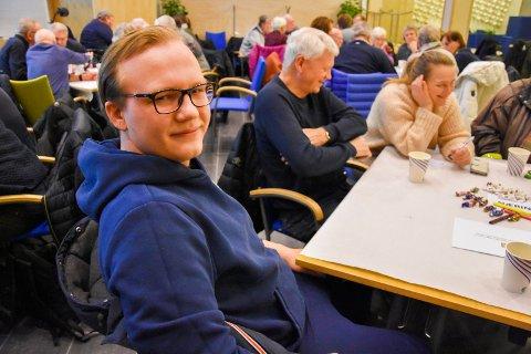 Mangler ungdom: Emil Vesleng Hansen (19) AUF-leder i IØ og leder av Ungdommens kommunestyre, mener kommunen bør få med flere unge på møtene.