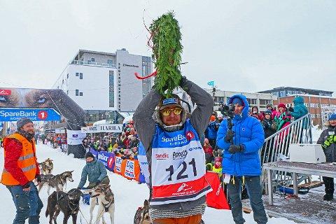VANT: Daniel Haagensen fra Tomter kunne strekke hendene i været som vinner av 600-kilometerdistansen i Finnmarksløpet.