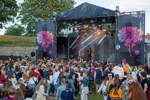 POPULÆRT: Det var folksomt på Idyllfestivalen 2019. Foto: Fredrikstad Blad.