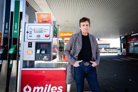 FORBANNET: Petter Wessel Bakke har aldri tidligere opplevd at et beløp som er blitt reservert på bankkortet fysisk er blitt trukket.