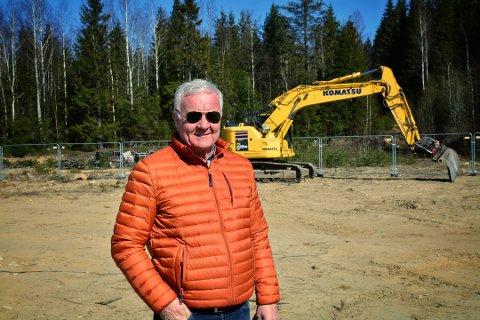 Roy Hugo Øren i Metra Næringsmegling opplyser at en ny butikk flytter inn på Knapstad.