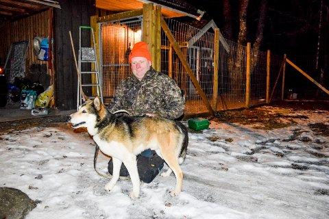 Nils Klund (51) og den østsibirske laikaen Hannibal (10) er gode jaktkamerater.