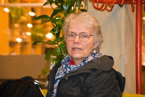 Smittevernoverlege i Indre Østfold kommune Barbro Kvaal minner om viktigheten av å fortsatt overholde koronarestriksjonene.