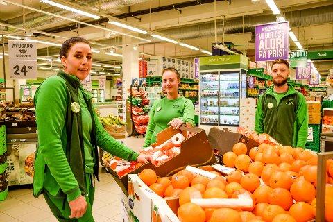 Butikksjef Chatrine Andersen (31, t.v.) fikk Ingrid Håbu (25) fra Ski og Daniel Olsen (25) fra Mysen med på laget i koronaåret.