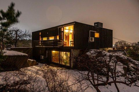 POPULÆRT: Det var mange som var interessert i funkisboligen i Smedskaret 12 på Kråkerøy. Huset er tegnet av arkitekt Eyolf Arne Scholze, og har vært i familiens eie siden 60-tallet.