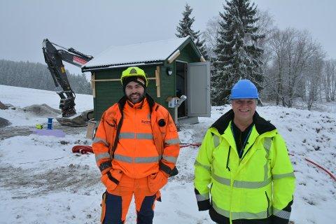 Per-Andre Begby fra Kystmiljø og Rune Nicolaisen fra Indre Østfold kommune sørger for vann, avløp og fibernett til 80 adresser.