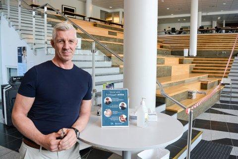 AVLYSER EKSAMEN: Rektor på Mysen videregående skole Lasse Thorvaldsen er glad for at beskjeden kom tidlig.