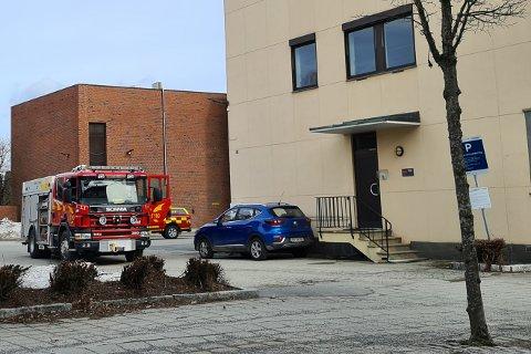 Brannvesenet rykket ut til en adresse i Rådhusgata i Askim etter å ha blitt varslet av en automatisk brannarlarm.