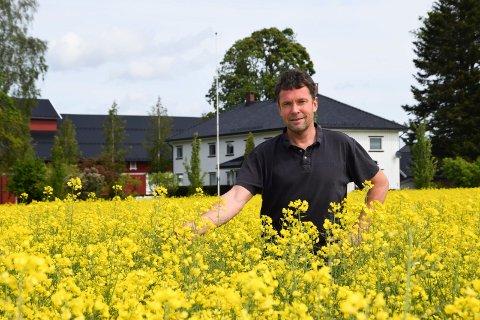 Ebbe Maurtvedt driver et av de aller største gårdsbrukene i Indre Østfold. Nå er han i dialog med staten om frivillig vern av et skogstykke på eiendommen.