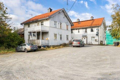 SOLGT: Denne sentrumsgården i Ørje er solgt for over to millioner kroner over takst.