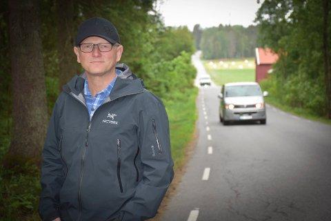 Gang og sykkelvei: Utbygger Atle Andresen må bygge gang og sykkelvei på  strekningen fra Korsgård skole til Tømmeråsen før  han kan starte arbeidet med et nytt boligfelt i Askim.