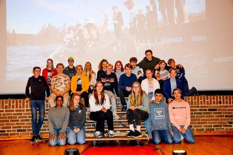 Tiendeklassingene ved Marker skole håper mange kommer for å se filmen deres her i rådhussalen onsdag og torsdag.
