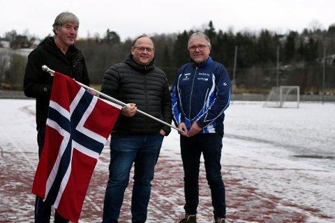 Avlyst: Ungdomsmesterskapet, som Snåsa IL og friidrettsgruppa skulle være medarrangører av gjennom Steinkjeralliansen, er nå besluttet avlyst grunnet Koronasituasjonen. F.v: Terje Våg, Bård Vaag Landsem og Gunnar Thorsen