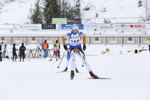TIL TOPPS: Kristian Falmår ble midtnorsk mester i skiskyting på søndag da han satte samtlige konkurrenter på plass på fellesstarten i Soknedal.