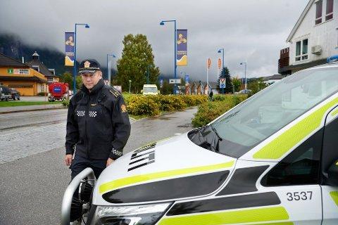 Pass: Politioverbetjent og politikontakt Birger Håpnes i Grong, Namsskogan og Snåsa opplyser om at den nyetablerte tjenesten passbussen vil komme til Grong i høst.