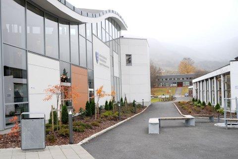 STØRST I INDRE SOGN: Sogndal vidaregåande skule har i alt 745 primærsøkjarar.
