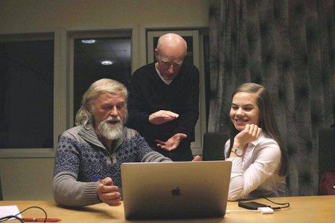 VURDERING: Juryen for Sogndal filmfestival fekk mange bidrag å vurdera. Frå venstre: Bjørn Ove Bergum, Stein Magne Os og Sunniva Breidvik.