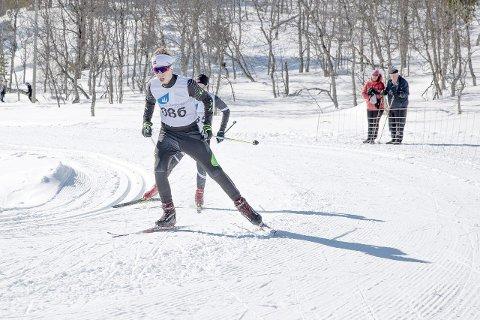 VANN: Gard Reppen Vigdal (15) parkerte dei andre konkurrentane i finalerennet, og vart krinsmeister i si klasse.