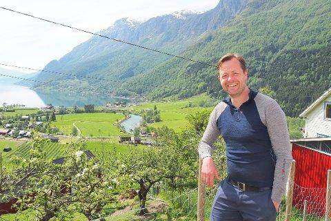 SKUFFA OPTIMIST: – Eg er skuffa, men optimist likevel, seier Andreas Wiese, som trass nok eit dårleg oppgjer har tru på ei framtid for vestlandsbonden.