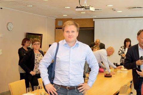 SIKRAR: Aleksander Øren Heen ser situasjonen an på nominsjonsmøtet fredag.(Arkivfoto)