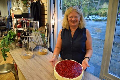 KAKEFEST: Det blir også kakekonkurranse i helga, seier Astrid Trulssen, leiar i marknadsnemndi. (Pressefoto)