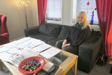 OMFATTANDE: Hege Wangen Aarhus har omfattande dokumentasjon på det ho og familien hennar har vore utsett for.