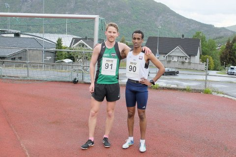 SAMHALD: Eivind Øygard (Jølster IL) vann 3.000-meteren med tida 8.29,82, medan Abdullahi Ali Hassan (Tjalve IL) kom på ein god andreplass med tida 8.38,91.