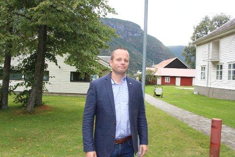IKKJE STILLING: - Me tek ikkje stilling til skuldspørsmålet, seier Karsten Sprenger, partisekretær i Vestland Høgre.
