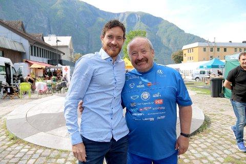 UT PÅ TUR: Rune Solheim og onkel Magne Knudsen skal ut på tur og håpar både fotballfans, bedrifter og alle andre vil gje eit bidrag til Aktiv mot Kreft undervegs.