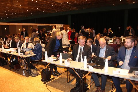 HISTORISK MØTE: Den historiske første samlinga for Vestland fylkesting finn stad i Bergen. (Foto: Jan Egil Fimreite)