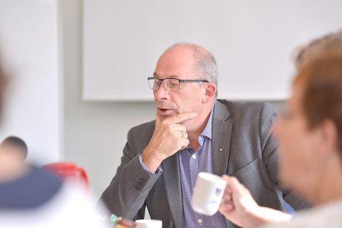 MØTE: Torsdag var det møte i formannskapet i Sogndal. Møtet vart leia av ordførar Jarle Aarvoll. (Arkivfoto)