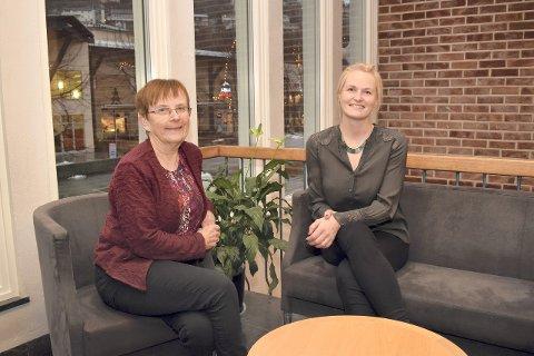 TRENG ENGASJERTE FOLK: Frå venstre: Margrete Haug, leiar for komité for levekår og Kristin Rundsveen, leiar for komité for samfunnsutvikling. (Foto: Mariann Skau, Sogndal Kommune)